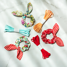 How to Make a Scrunchie Bow Using Elastic