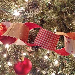 DIY Fabric Chain - Holiday Garland