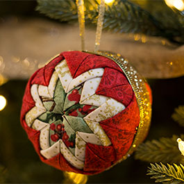 """No-Sew """"Quilted"""" Christmas Ornament"""