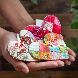 Patchwork Heart Pocket Prayer Quilt Tutorial + FREE Pattern