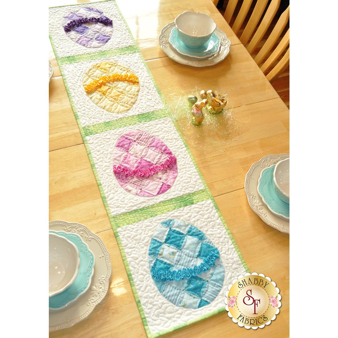 Making a Ruched Easter Egg Table Runner