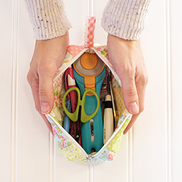 How to Sew a Patchwork Pouch with Zipper